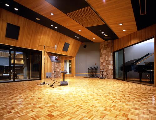 建築音響設計と施工の実績 -- 音...